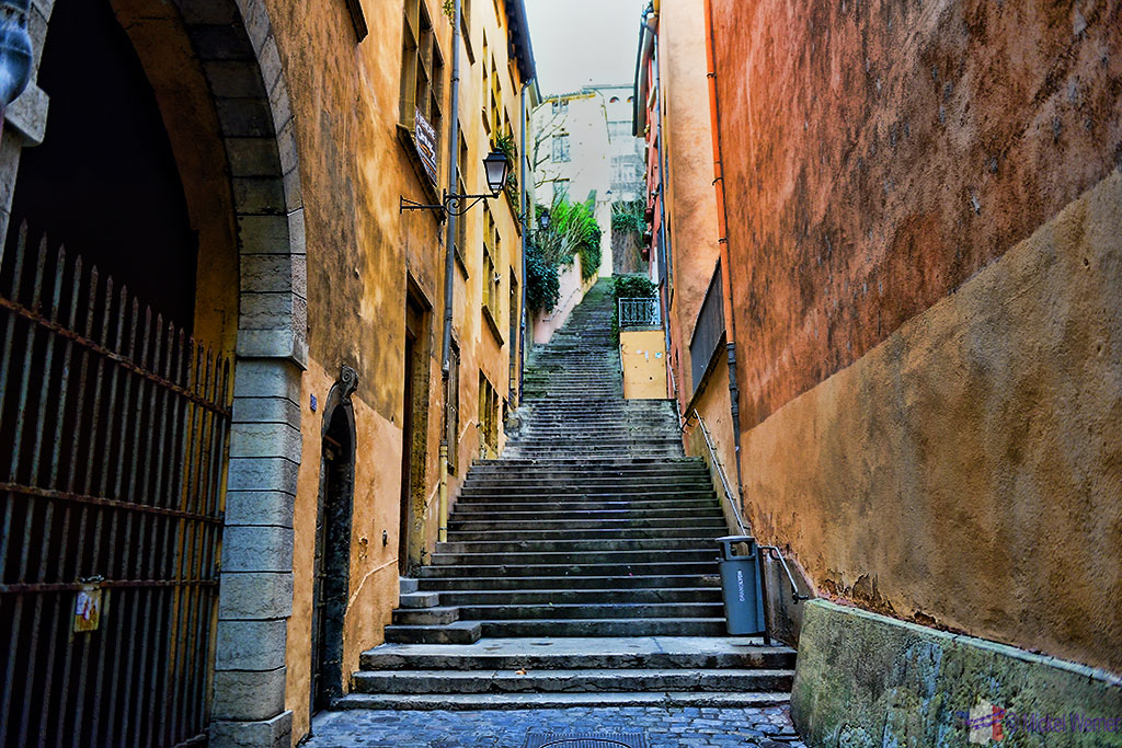 Each street ends in a stairway up the hill in the old town of Lyon