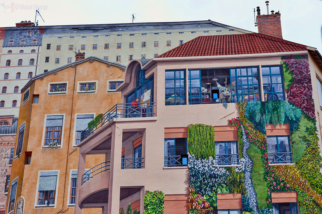 """Details of the mural painting """"Mur des Canuts"""" in Lyon"""