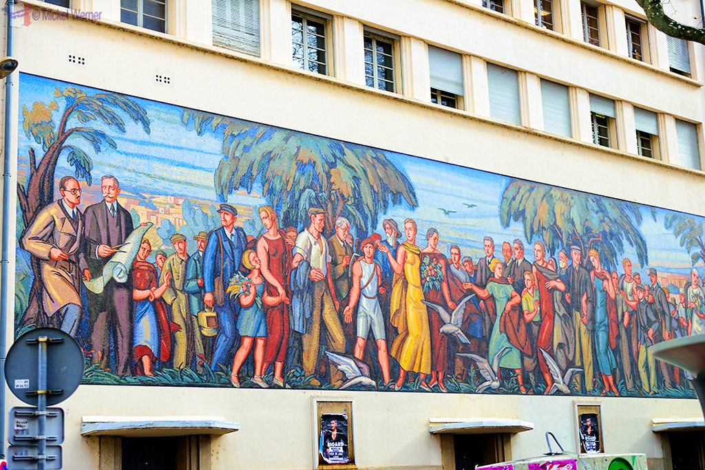Mural painting at the Bourse du Travail in Lyon