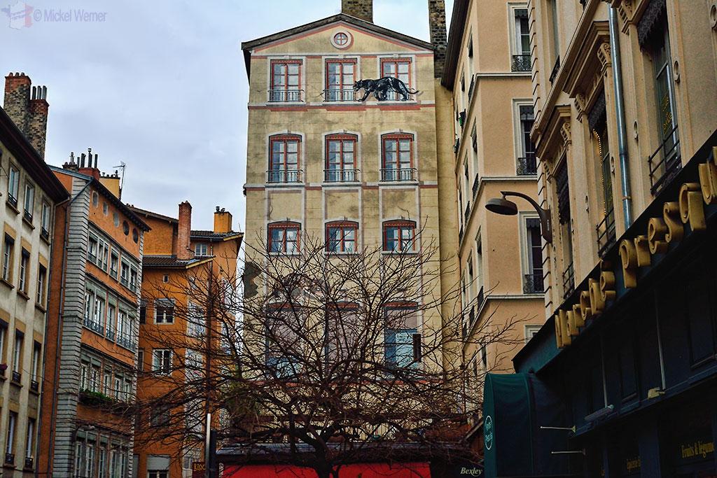 Mural painting in Lyon