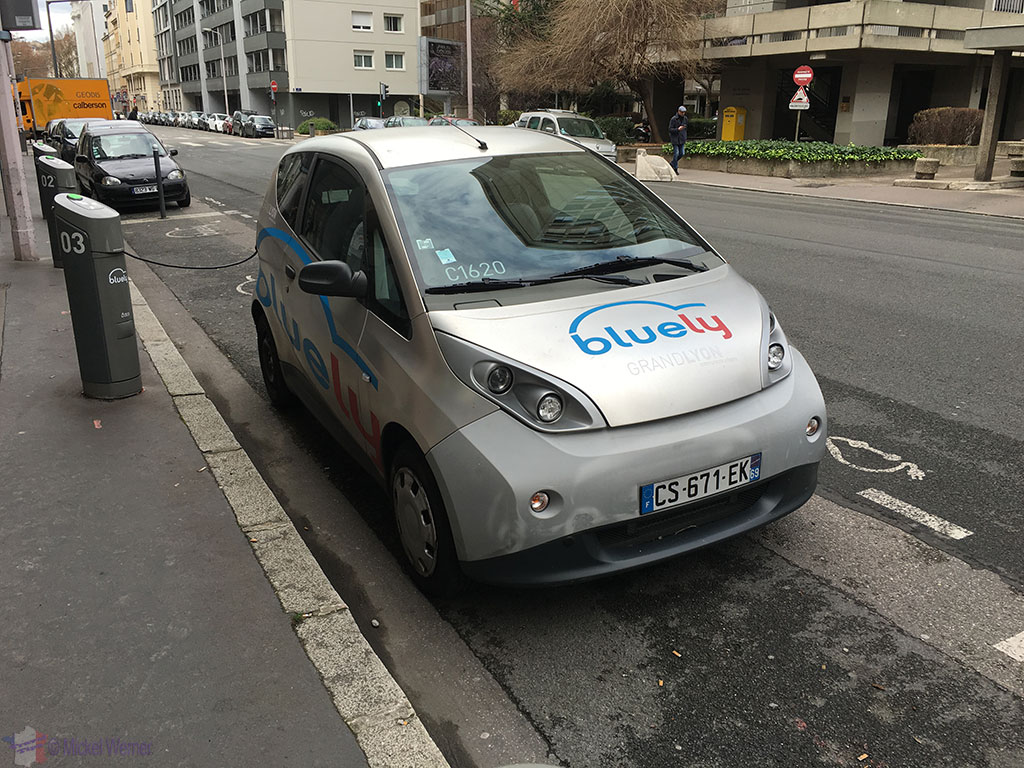 Electric Car Rental Chicago