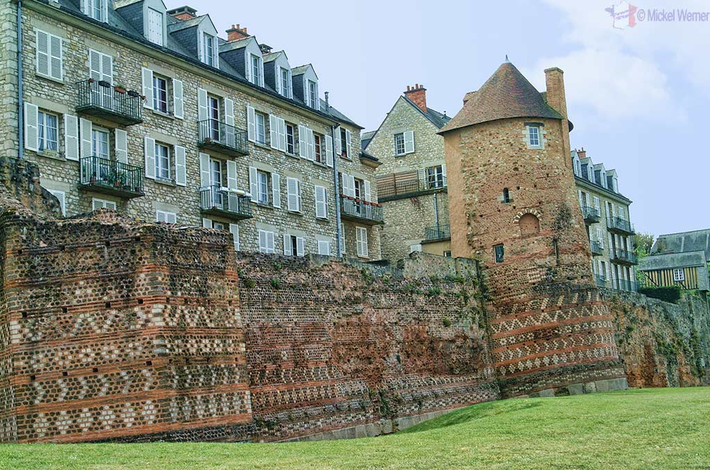 Le Mans Roman fortified walls