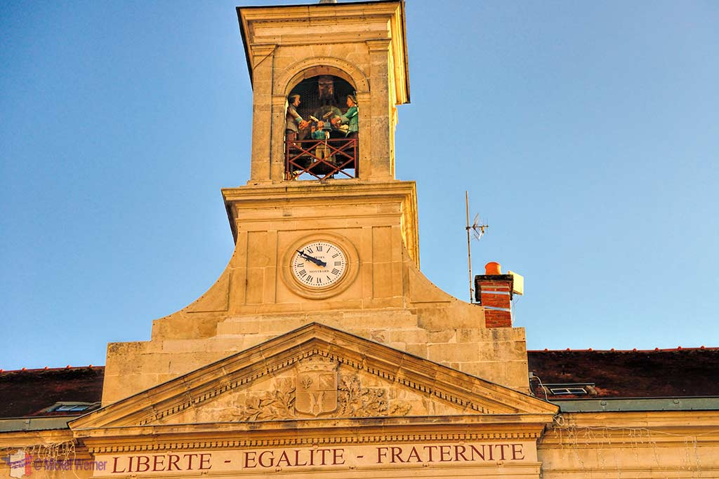 Bellstriker (jacquemart) on top of the City Hall of Montbard