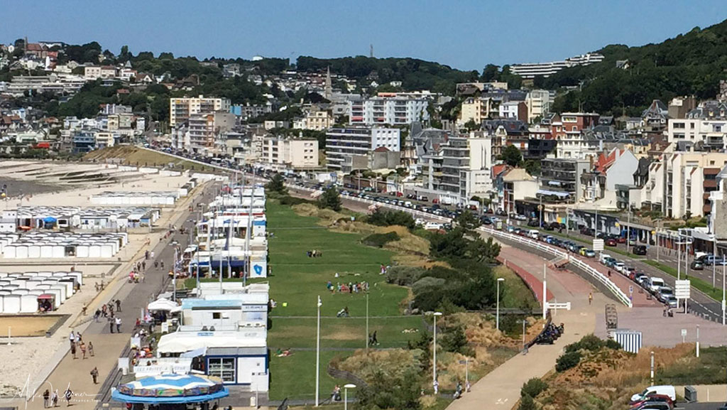 Today - The promenade towards Sainte-Adresse without Trams