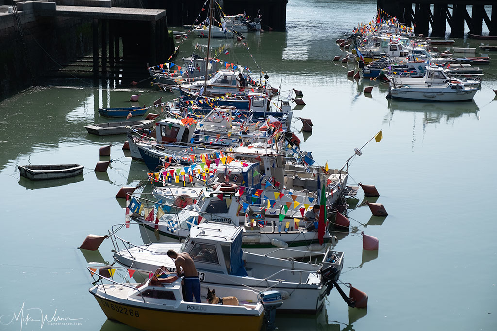 "Today - The ""Bassin du Roy"" is still used, but now by small coastal fishing boats. There's still a bride in the middle."