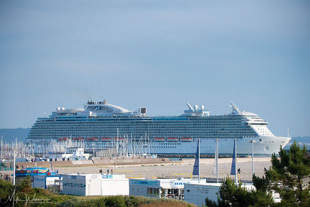 Today - Many Cruise Ships still leave Le Havre